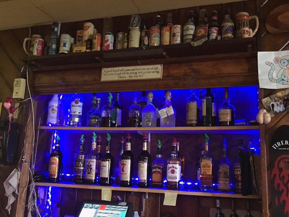 Lee's 27th St Saloon: 530 S 27th St, Billings, MT