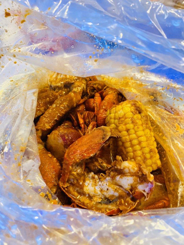 SAT Asian Seafood Restaurant & Bar: 6000 Ih 35, San Antonio, TX