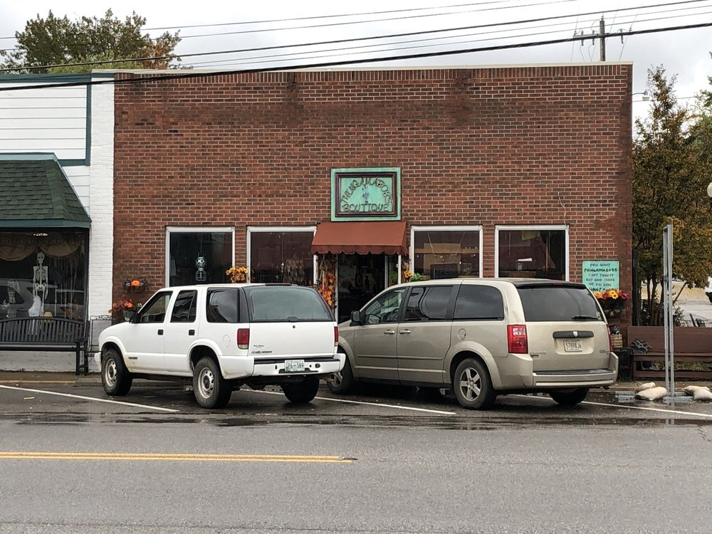 Thingsmabobs Boutique: 30476 Ardmore Ave, Ardmore, AL