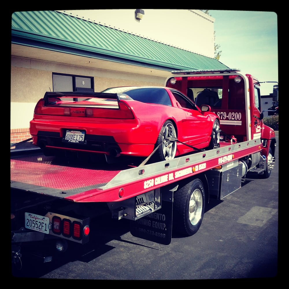 Acura NSX Aka Poor Mans Ferrari Towed Without A Scratch