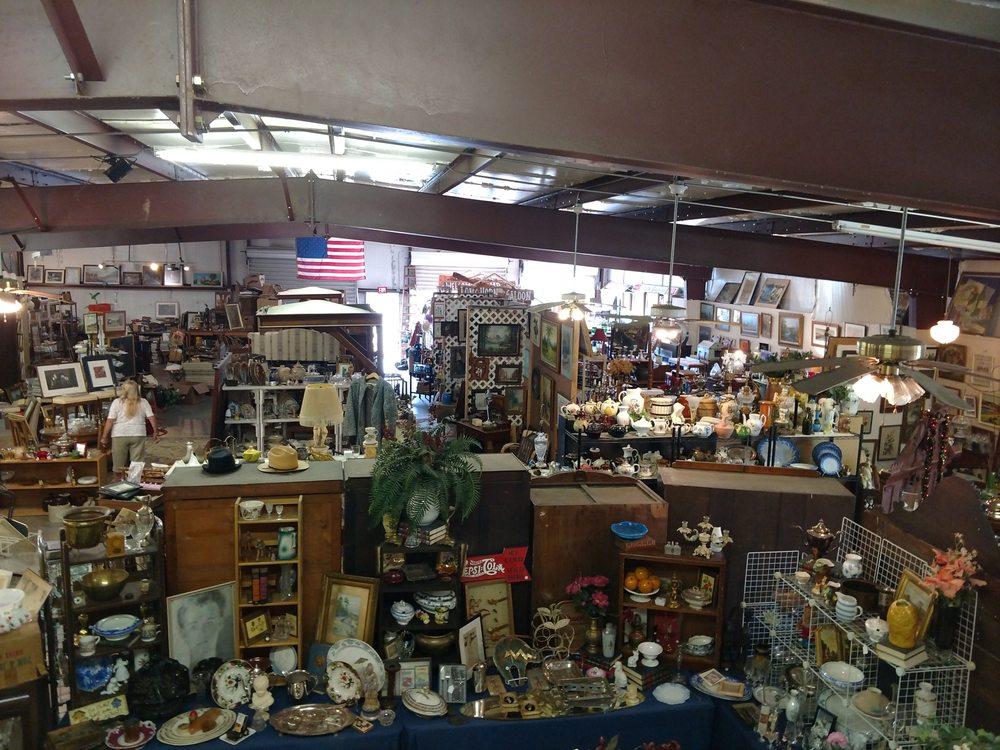 Sulphur Springs Antique Gallery: 1130 Shannon Rd. E., Sulphur Springs, TX