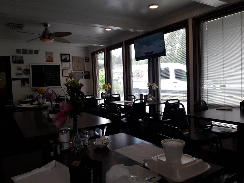 Manor Coffee Shoppe: Harrison Ave, Manor, PA
