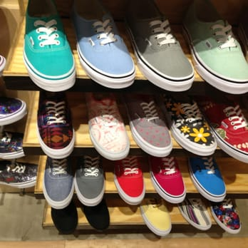 e7e2a381e11d6a Vans - 11 Photos   17 Reviews - Shoe Stores - 811 SouthCtr Mall ...