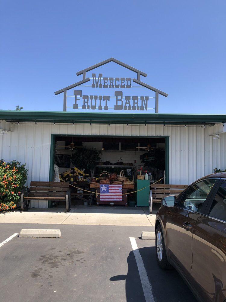 Merced Fruit Barn: 4526 E State Hwy 140, Merced, CA