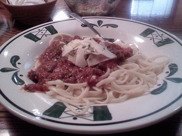 Linguine With Chianti Three Meat Sauce Never Ending Pasta Bowl Yelp