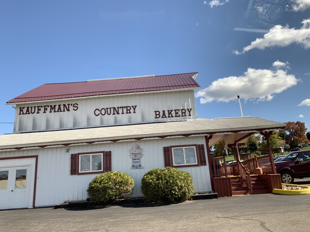 Kauffman's Country Bakery: 6013 County Road 77, Millersburg, OH