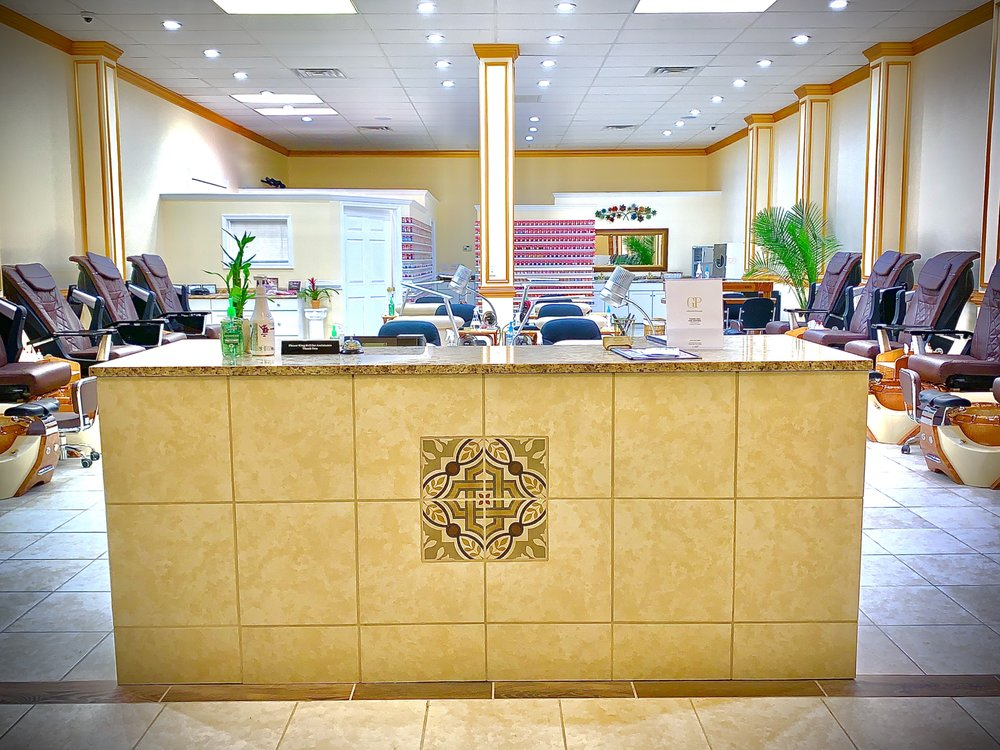 Grand Palais: 627 Red Banks Rd, Greenville, NC