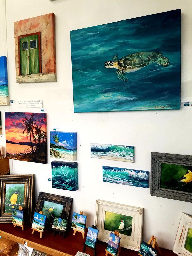 Luna Loca Art Gallery & Gift Store: Calle Luis Munoz Rivera 99, Vieques, PR