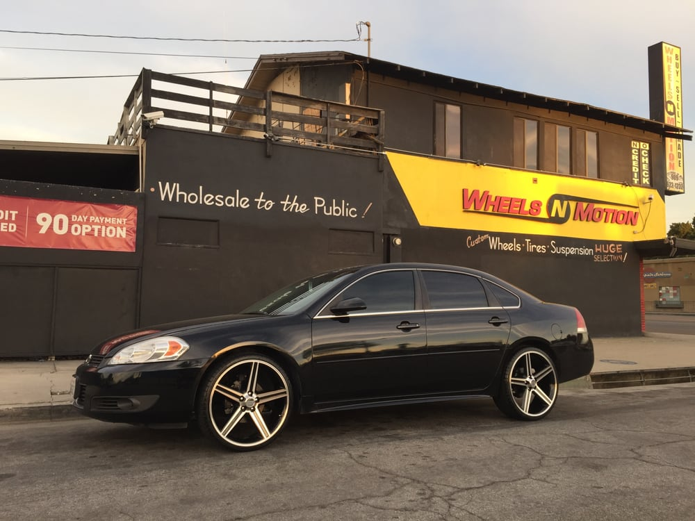 2010 Chevy Impala On 22 Iroc Wheels With Black And Machine Finish