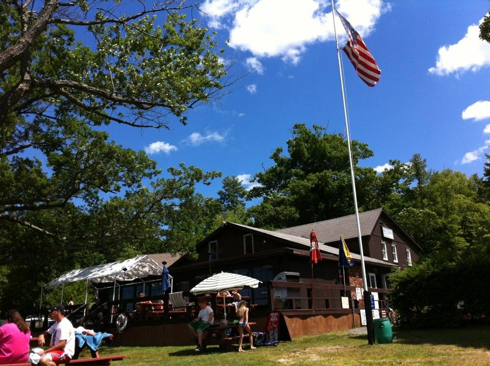 Sand Beach: 348 Lakeview Dr, Highland Lake, NY