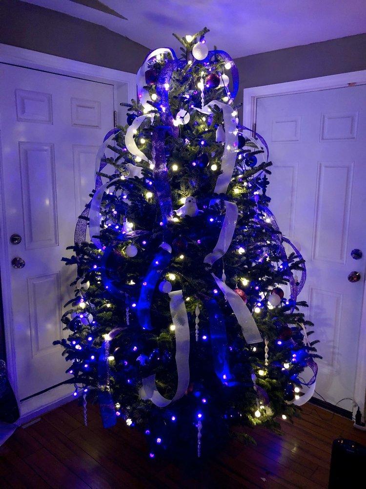 Tryban Christmas Trees: 24233 Orchard Lake Rd, Farmington Hills, MI