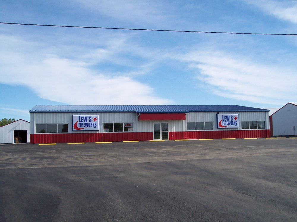 Lew's Fireworks: 45788 US-212, Watertown, SD