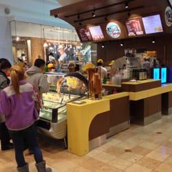 Garden State Plaza Food Court