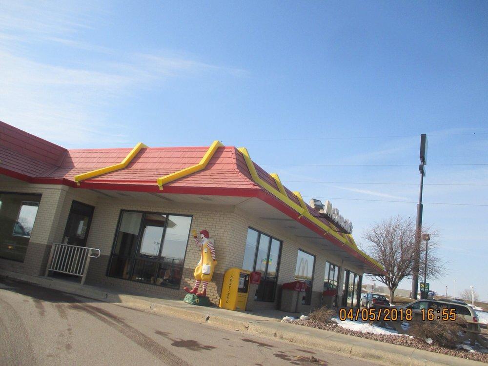 McDonald's: 2217 N State St, Fairmont, MN