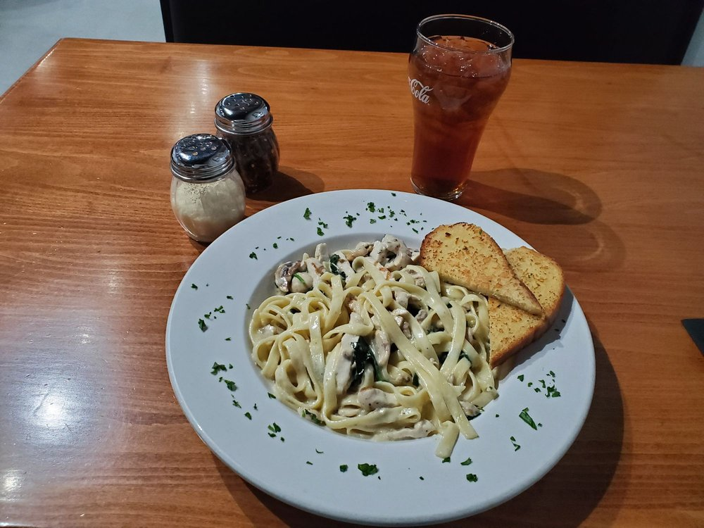 Perry's Italian Cafe: 789 N Main St, Bishop, CA