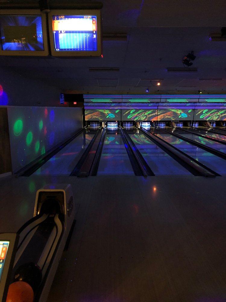 Orange Bowl Lanes: 1221 E Vine St, Kissimmee, FL