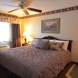 Hearthstone Inn Suites 10 Reviews Hotels S Main St Cedarville Oh Phone Number Yelp