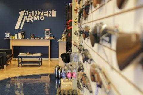 Arnzen Arms: 12494 Plaza Dr, Eden Prairie, MN