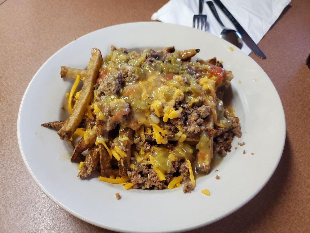 Falcon Restaurant & Lounge: 1113 E 3rd St, Winslow, AZ