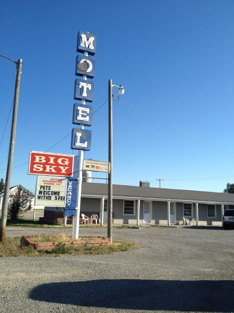 Big Sky Motel: 209 Main Ave S, Choteau, MT