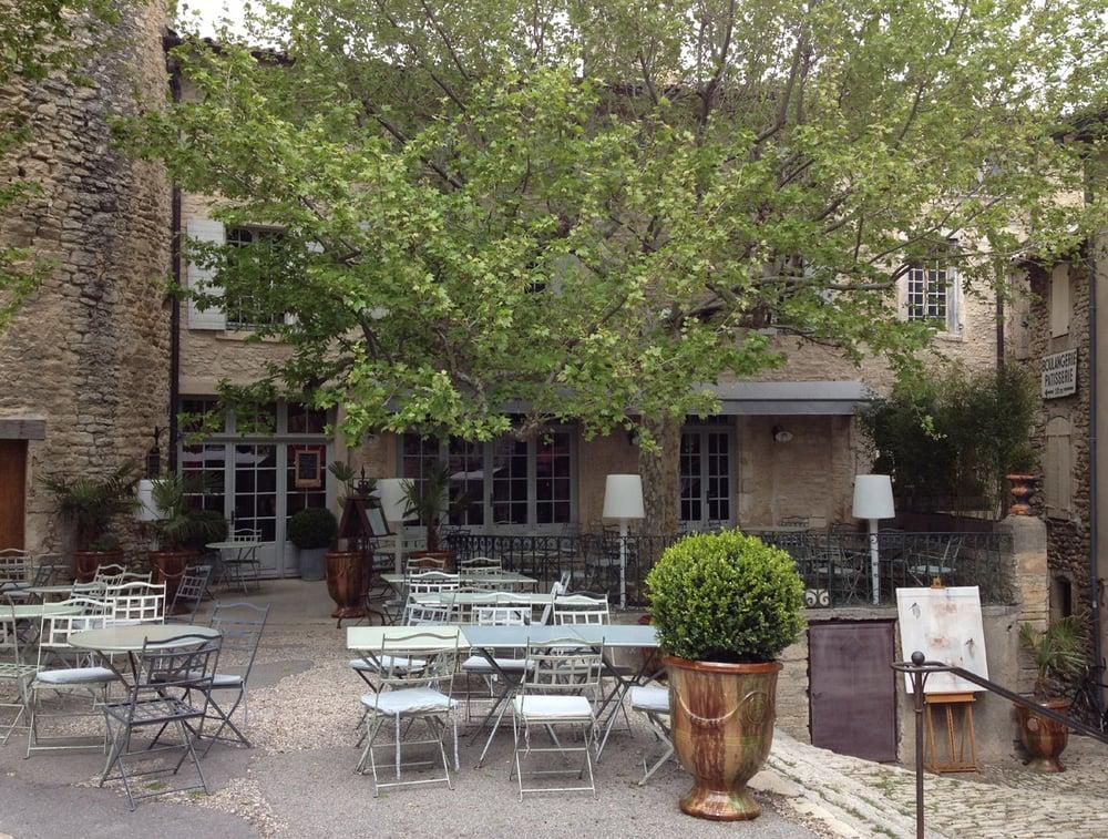 Le renaissance hotels ch teau gordes vaucluse for Hotels gordes