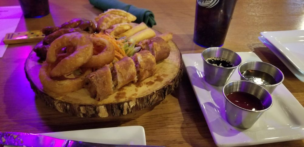 The Hideout Bar & Grill: 16496 149th St SE, Big Lake, MN