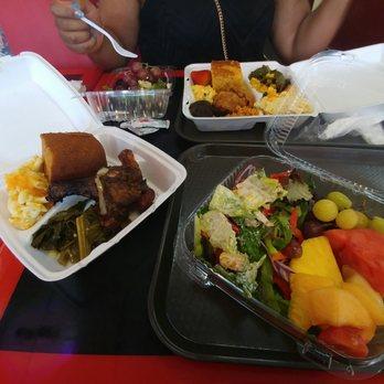 Sweet mama s soul food restaurant salad bar 66 photos for Harlem food bar yelp