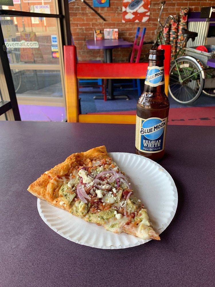 Food from Pizza Schmizza