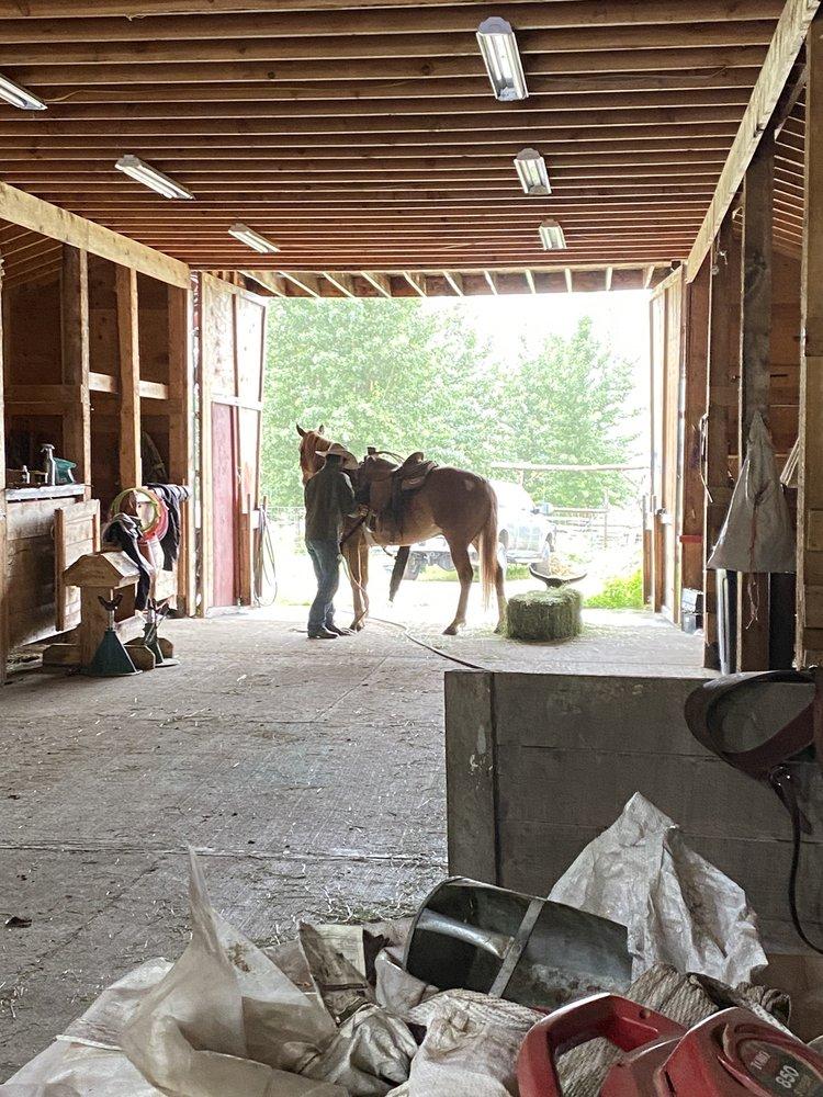 Sunderland Ranch: 10856 N Wolverine Rd, Palmer, AK