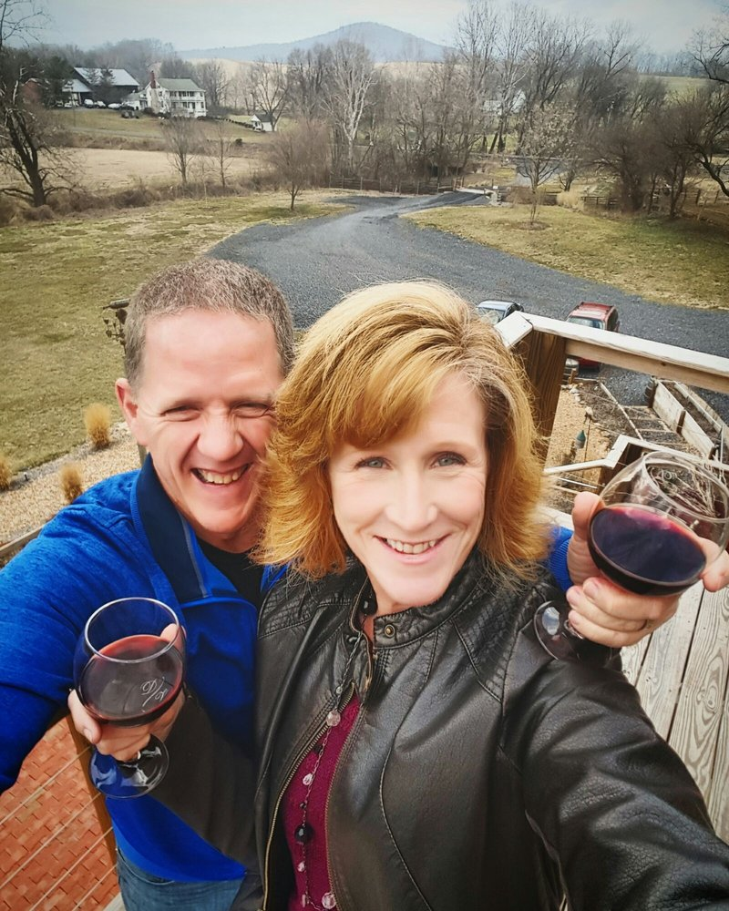 Time 2 Wine Tours: Luray, VA