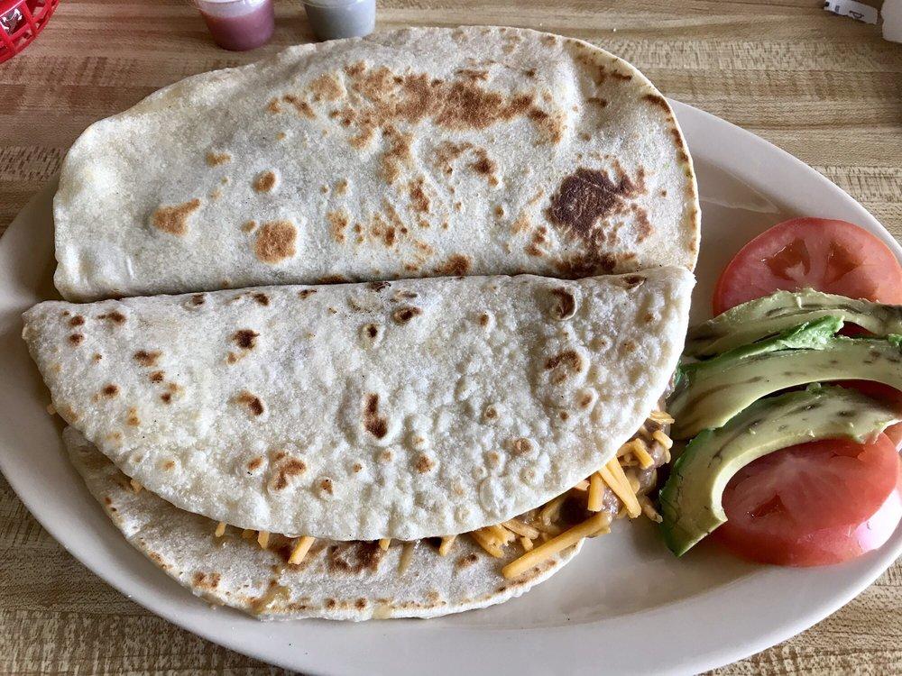 Las Delicias Cafe: 3436 TX-44, Alice, TX