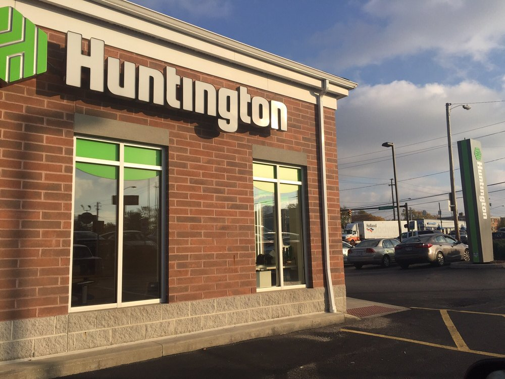 Huntington Bank: 4260 Ridge Rd, Brooklyn, OH