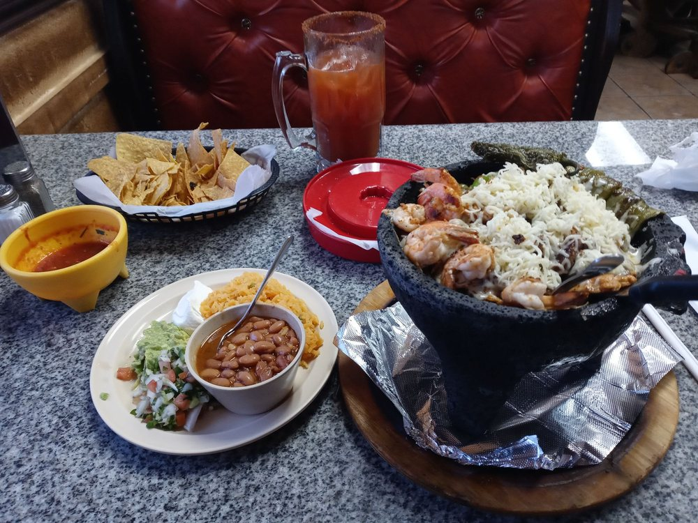 New Rodeo Mexican Grill: 309 Hwy 36, Gatesville, TX