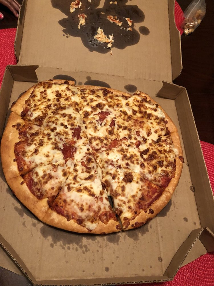 Pizza Hut: 800 London Blvd, Portsmouth, VA