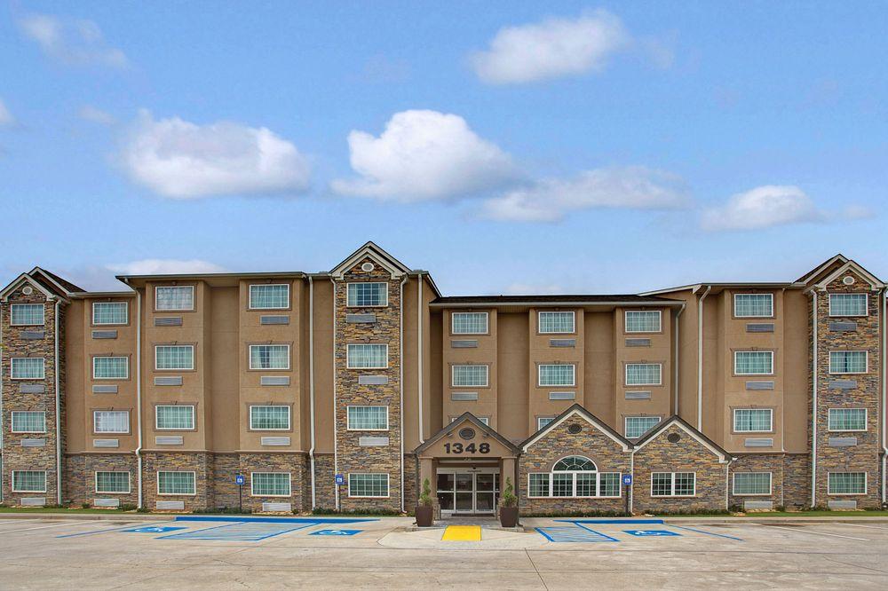 Microtel Inn & Suites by Wyndham Cartersville: 1348 Joe Frank Harris Parkway, Cartersville, GA