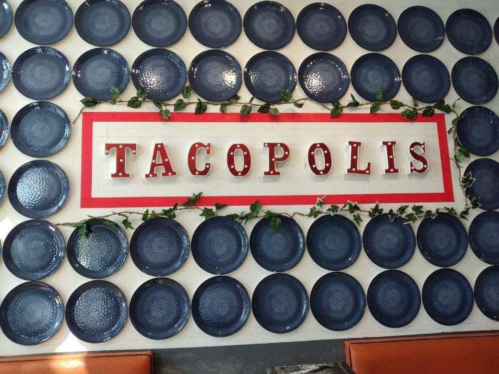 Tacopolis: 260 Crandon Blvd, Miami, FL