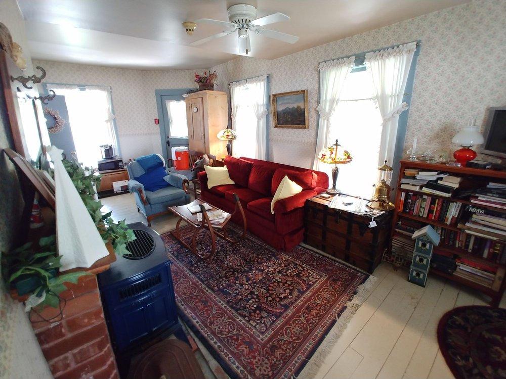Village House Inn - Albany: 895 Main St, Albany, VT