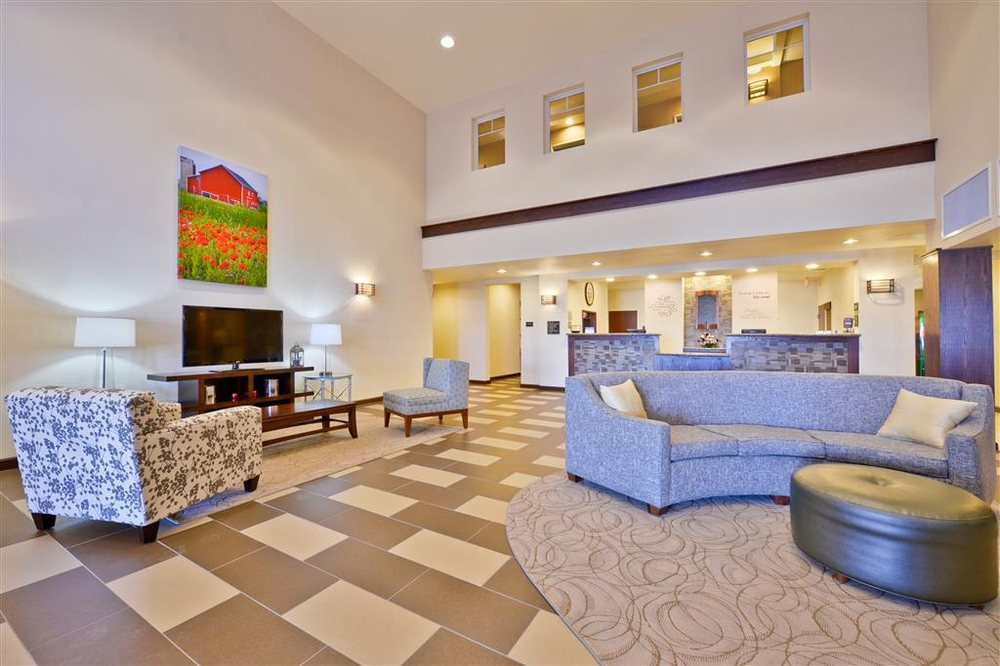 Best Western Plus Green Mill Village Hotel & Suites: 917 Green Mill Rd, Arcola, IL