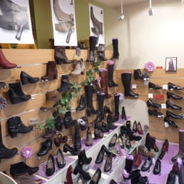 christi shoes 10 photos magasins de chaussures 80 rue belle rade dunkerque nord france. Black Bedroom Furniture Sets. Home Design Ideas