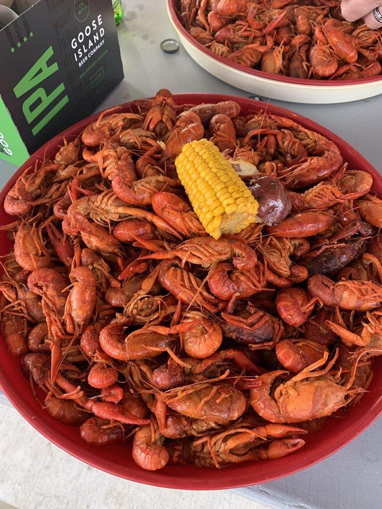 J & R Crawfish: 109 N 7th St, Kinder, LA