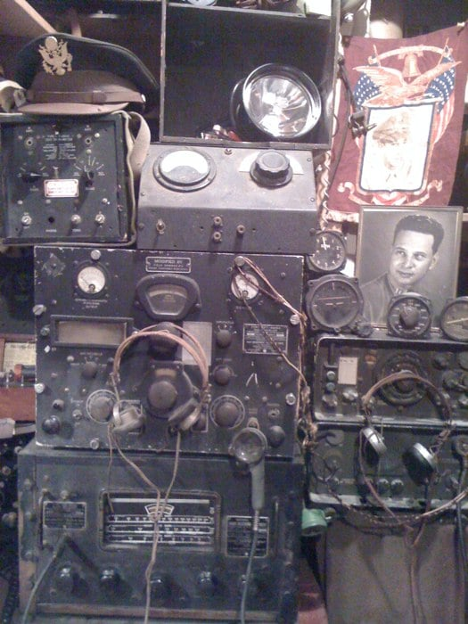 This Old Rig Actually Plays Real Broadcasts From The Era