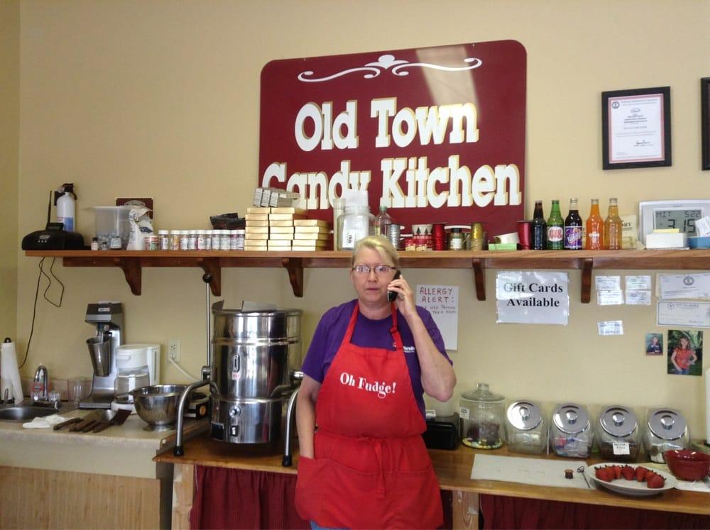 Old Town Fudge Factory: 128 N Broadway St, Berea, KY