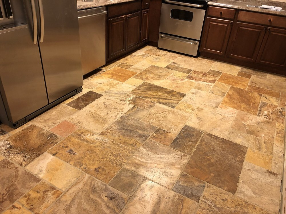 The beautiful Travertine tile with the Versailles tile placement ...
