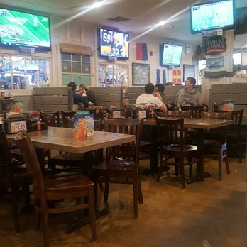 Photo Of Hurricane Grill U0026 Wings   Garden City, NY, United States. Tvs