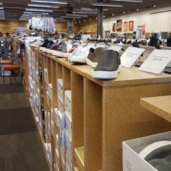 81d57bda07a5 DSW Designer Shoe Warehouse - 31 Photos   10 Reviews - Shoe Stores ...