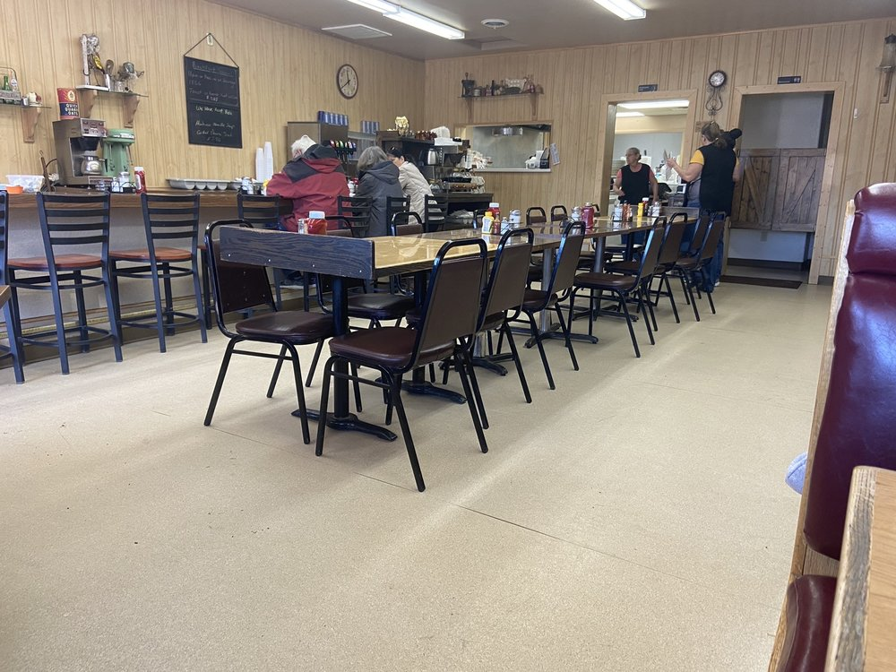 Maggie's Place: 541 Big Horn Ave, Worland, WY