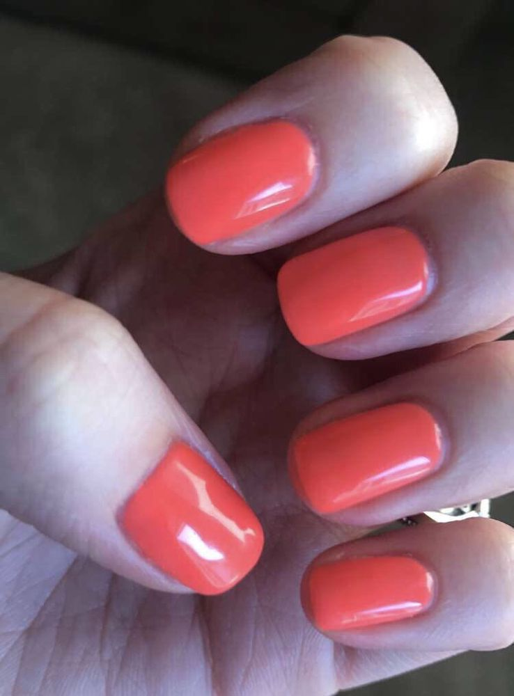 Cute gel nails. File and shape, cuticle clean up, polish, short hand ...