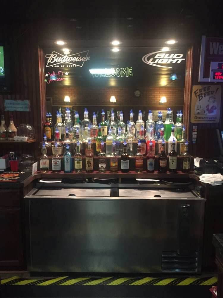A & B Grill 'n Bar: 250 N Walnut St, Shelby, NE