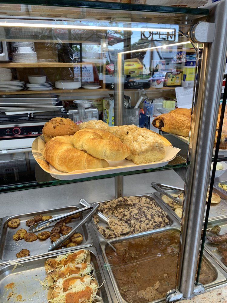 Vicky's Local Deli: 284 Broadway, Lynbrook, NY