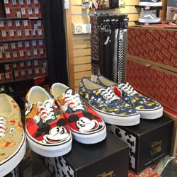 a08cc63b81 Vans - 13 Photos   24 Reviews - Shoe Stores - 13220 Washington Blvd ...